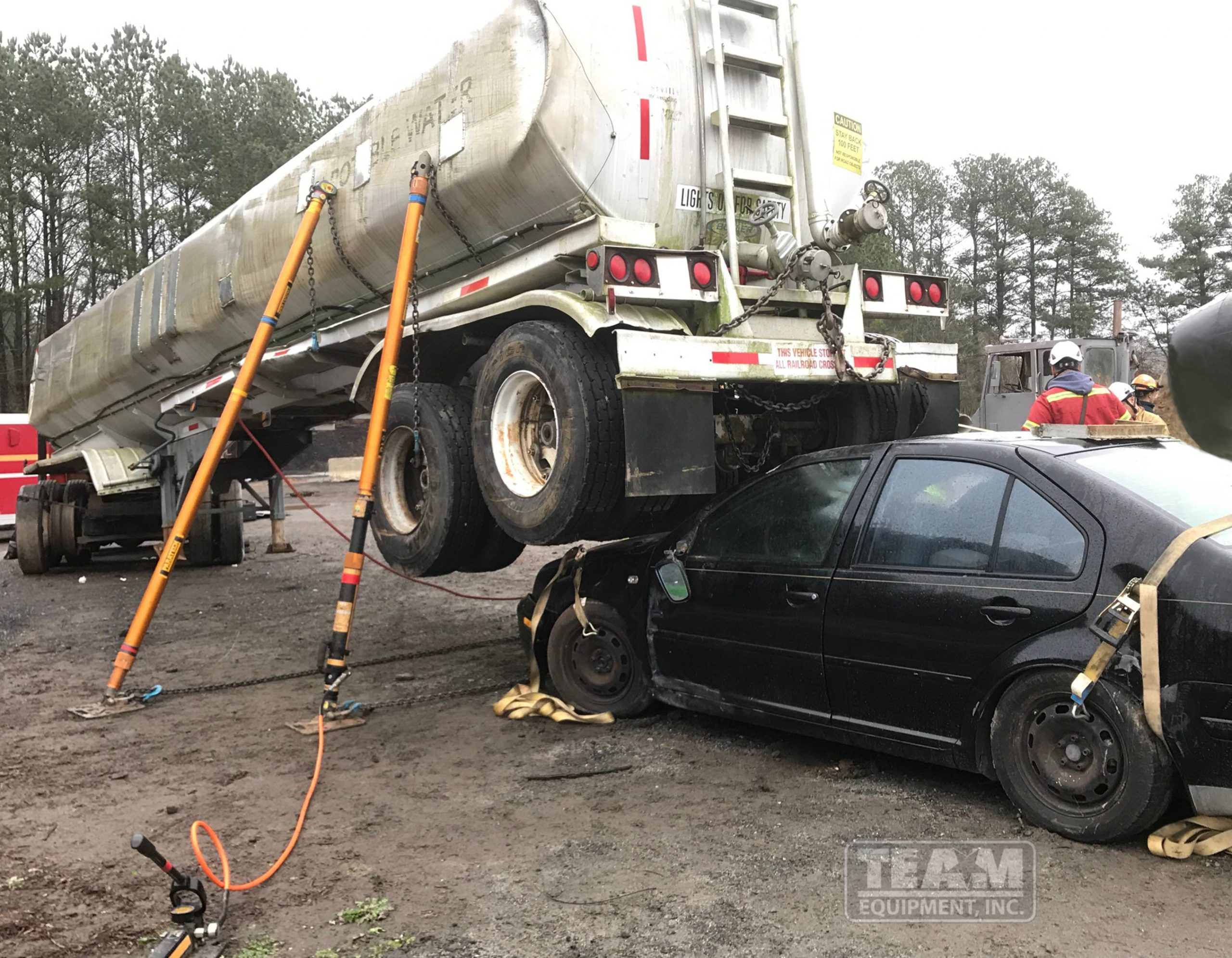 Paratech vehicle stabilization and lifting